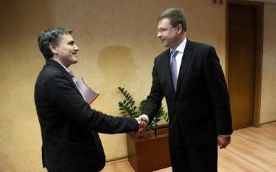 Ντομπρόβσκις και Τσακαλώτος: Θα συμβιβαστούμε έντιμα στα κόκκινα δάνεια