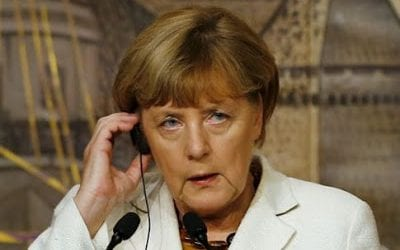 Guardian: Υποχρεωτικές ποσοστώσεις θέλει η Μέρκελ για το προσφυγικό