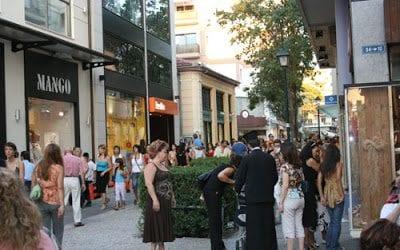Ανοιχτά τα καταστήματα την Κυριακή στο Βόλο με… απεργία