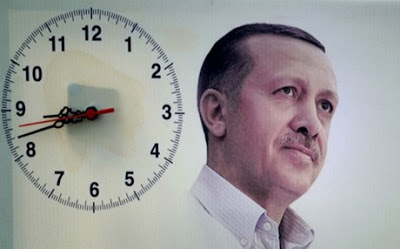 Με εντολή προέδρου, δεν άλλαξε η ώρα στην Τουρκία!