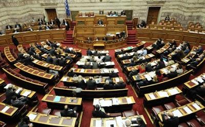 Στους 153 βουλευτές η κυβέρνηση μετά την ψήφιση των προαπαιτούμενων