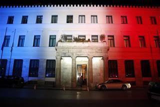 Αθήνα και Θεσσαλονίκη τρικολόρ, στο πλευρό του γαλλικού λαού