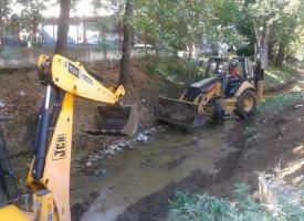 Εργασίες καθαρισμού ρεμάτων από την Περιφερειακή Ενότητα
