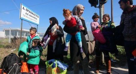 Ασφυξία στα σύνορα με χιλιάδες εγκλωβισμένους πρόσφυγες