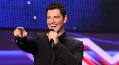 Ο Σάκης Ρουβάς στον ΣΚΑΪ για την παρουσίαση του X Factor (φωτό)