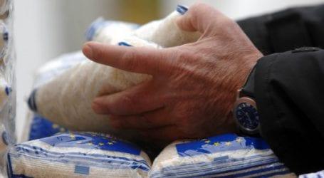 Διανομή τροφίμων στους δικαιούχους του ΤΕΒΑ