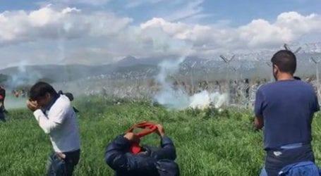 Ειδομένη: Σκοπιανοί πυροβολούν με σφαίρες καουτσούκ τους πρόσφυγες