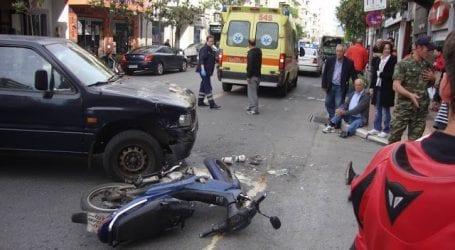 Τροχαίο ατύχημα με οδηγό ντελίβερι στο Βόλο (φωτό)