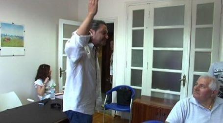 Ένταση σε συνάντηση βουλευτών του ΣΥΡΙΖΑ με επαγγελματοβιοτέχνες