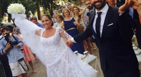 Παντρεύτηκε στη Σκιάθο η Σοφία Κοντονίκου