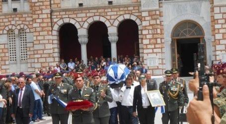 Θρήνος στην κηδεία του ταξίαρχου Αντώνη Δάρα