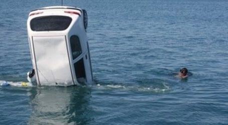 Φούνταρε με το αυτοκίνητό του στη θάλασσα της Γορίτσας