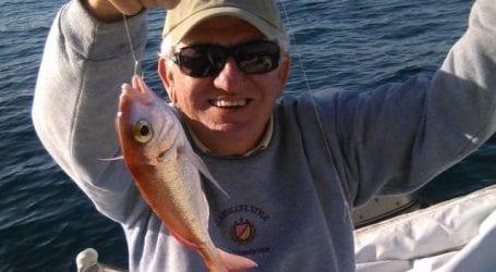 Άφησε πίσω την πολιτική και έπιασε το… ψάρεμα!