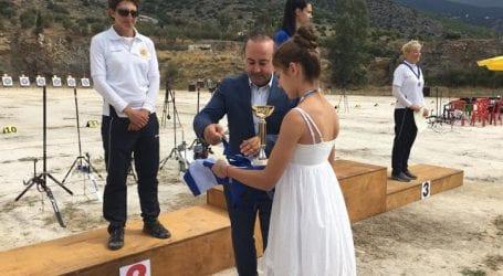 Ο Σάκης Κοκκίνης απένειμε τα βραβεία στου νικητές των αγώνων Τοξοβολίας