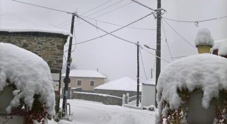 Στα λευκά η Μαγνησία – Που χιόνισε (φωτό)