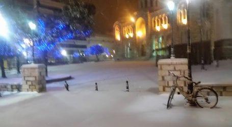 Ξύπνησαν με 10 πόντους χιόνι οι Βολιώτες (φωτο)