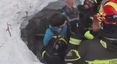 Το θαύμα συνεχίζεται στην Ιταλία: Βγαίνουν ακόμα επιζώντες από το ξενοδοχείο