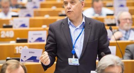 Διάλογος Αγοραστού – Επιτρόπου ΕΕ στις Βρυξέλλες για Προσφυγικό – Μεταναστευτικό