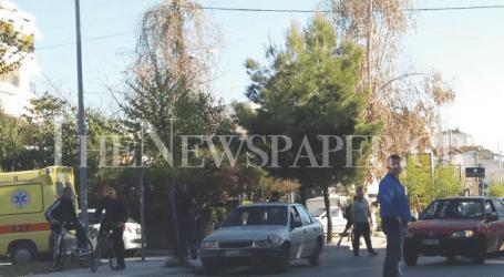 Τροχαίο ατύχημα με ελαφρύ τραυματισμό στη Λάρισα (εικόνες)