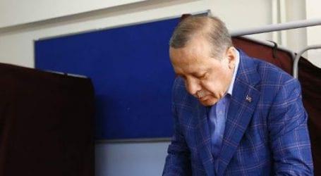 Δημοψήφισμα στην Τουρκία: Νίκη Ερντογάν, για απάτη μιλά η αντιπολίτευση