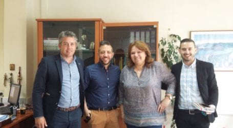 Ο Αλέξανδρος Μεϊκόπουλος στον Διοικητή του ΕΦΚΑ και τη Γενική Διευθύντρια του ΚΕΑΟ για το Γηροκομείο Βόλου