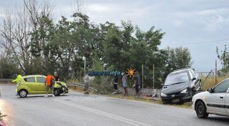 Αλμυρός: Πλαγιομετωπική σύγκρουση οχημάτων