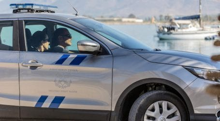 Νεαρός επιτέθηκε σε ζευγάρι 60χρονων στην παραλία του Βόλου