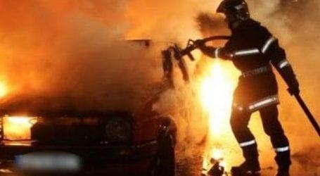 Φωτιά σε δύο αυτοκίνητα στη Νέα Ιωνία