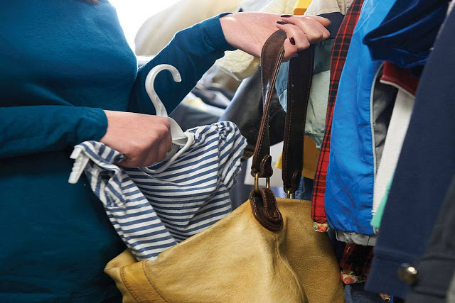 750c4c7c4234 Χειροπέδες σε γυναίκα που έκλεψε ρούχα από πολυκατάστημα στον Βόλο