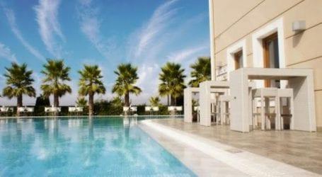 Σε κοινόχρηστο χώρο η πισίνα του Valis στην Αγριά!