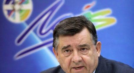 Συμπλήρωσε ψηφοδέλτιο για τις εκλογές στη Μαγνησία ο Καρατζαφέρης