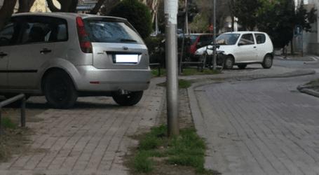 """""""Μπλόκο"""" στον ποδηλατόδρομο (εικόνα)"""