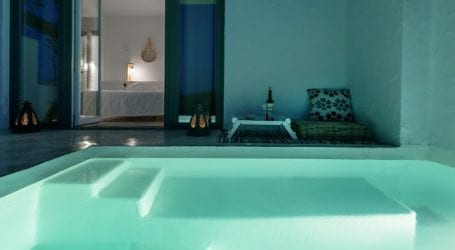 Ένα ξενοδοχείο – κόσμημα στην Αλόννησο (εικόνες)