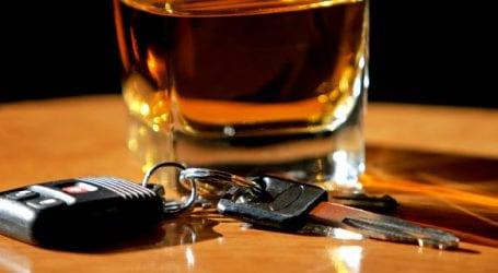 Χειροπέδες σε επικίνδυνους μεθυσμένους οδηγούς από την Τροχαία Βόλου