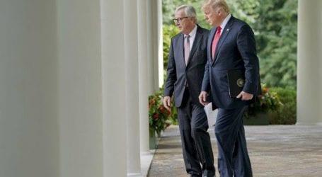 Τραμπ και Γιούνκερ συμφώνησαν σε συνεργασία για να μηδενιστούν οι δασμοί