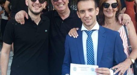 Ο ευτυχισμένος πατέρας Τέλης Δουλόπουλος