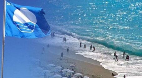 Οι 38 παραλίες που χάνουν τις «Γαλάζιες Σημαίες» τους