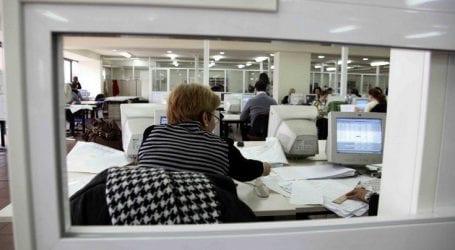 Παρατείνονται για έξι μήνες οι αποσπάσεις δημοσίων υπαλλήλων που λήγουν