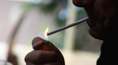«Να απαγορευτεί το κάπνισμα σε πάρκα, παραλίες και χώρους άθλησης»