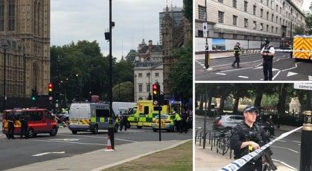 Συναγερμός στο Λονδίνο: Αυτοκίνητο έπεσε στις μπάρες του Κοινοβουλίου [εικόνες]