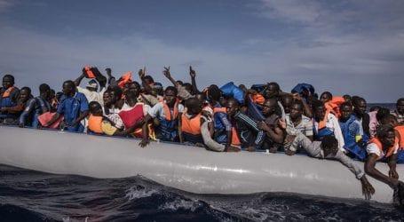 Η Ρώμη απειλεί να στείλει πίσω στη Λιβύη τους πρόσφυγες που βρίσκονται εγκλωβισμένοι στα ανοιχτά της Λαμπεντούζας
