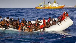 8 νεκροί έχουν ανασυρθεί μετά την αναχαίτιση πλεούμενου με μετανάστες