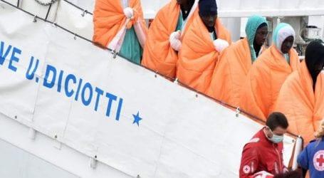 Το πλοίο «Diciotti» με τους 180 μετανάστες θα δέσει στην Κατάνη της Σικελίας