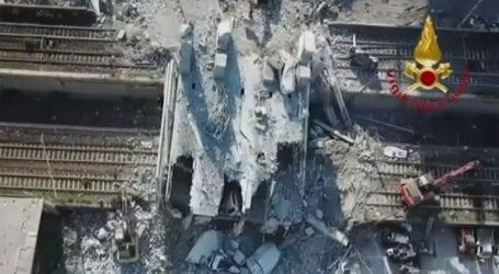 Συγκλονιστικές εναέριες εικόνες από τη γέφυρα που κατέρρευσε στη Γένοβα