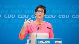 Η γ.γ του CDU κρίνει ότι ένας χρόνος κοινωφελούς εργασίας θα βοηθούσε τους πρόσφυγες να ενταχθούν στην κοινωνία
