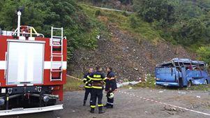 Στους 16 οι νεκροί από την ανατροπή τουριστικού λεωφορείου