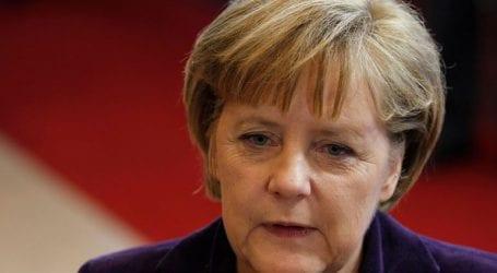 Η Μέρκελ απορρίπτει το ενδεχόμενο να θεσπιστεί εκ νέου η υποχρεωτική στράτευση