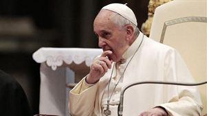 Το Βατικανό διόρθωσε φράση του Πάπα για την ομοφυλοφιλία
