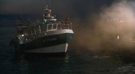 Πέφτουν οι τόνοι μετά τη «ναυμαχία» Γάλλων και Βρετανών ψαράδων για τα χτένια