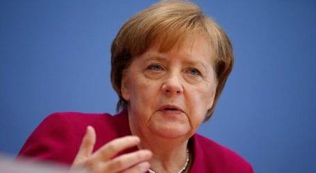 Η Μέρκελ στηρίζει Βέμπερ για υποψήφιο του ΕΛΚ